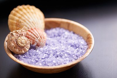 Scoop up your crystals with a seashell