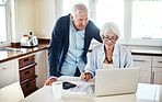 Using online tools to help manage their finances