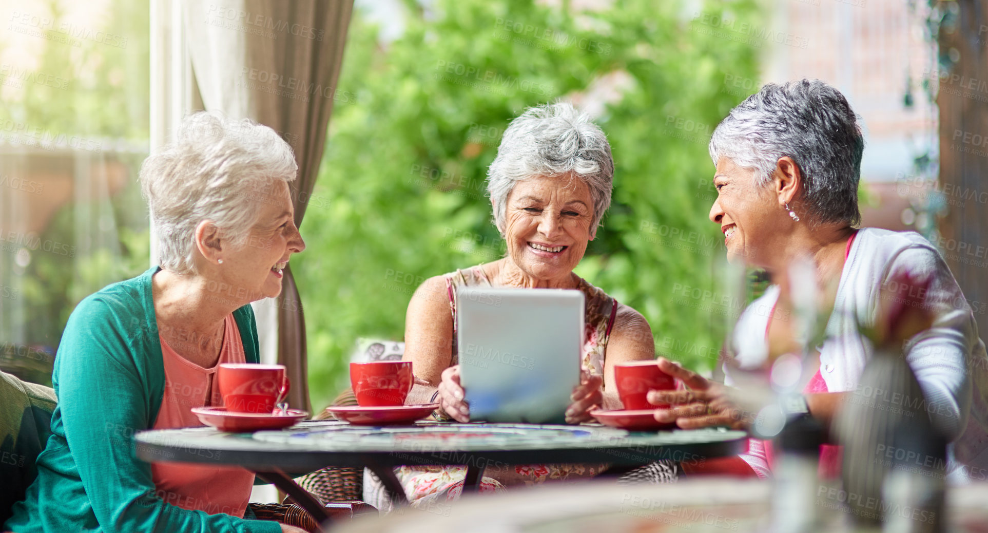 Online dating for older educated people