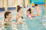 Swimming classes are beneficial to mom and baby